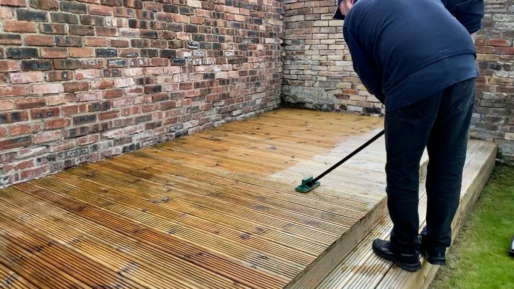 Applying Decking Oil